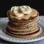 pancakes à la banane et à la farine d'arachide