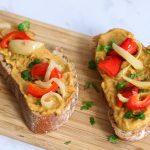 tartines guacamole et légumes rôtis